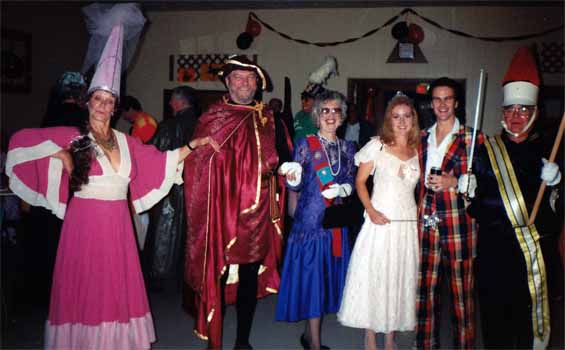 photos/1995/95-Halloween1.jpg